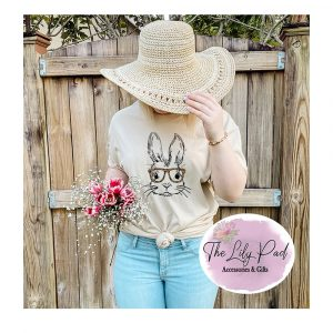 Bunny with Cheetah glasses Graphic Tee